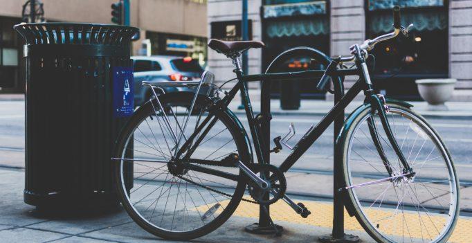 vélo attaché
