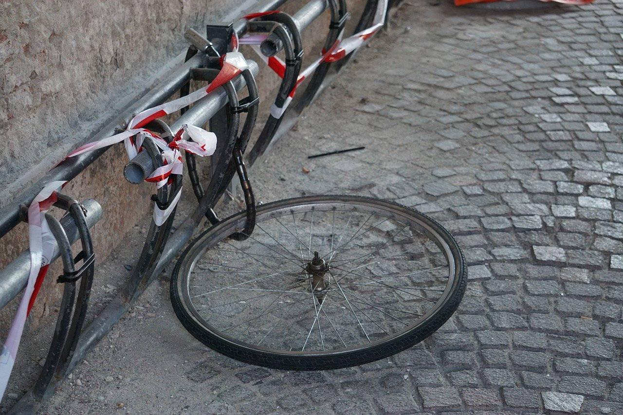 Vélo volé : il ne reste que la roue !